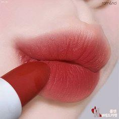 Need Help With Your Skin? Asian Makeup, Korean Makeup, Makeup Eye Looks, Eye Makeup, Lipstick Colors, Lip Colors, Kiss Makeup, Beauty Makeup, Korean Lips