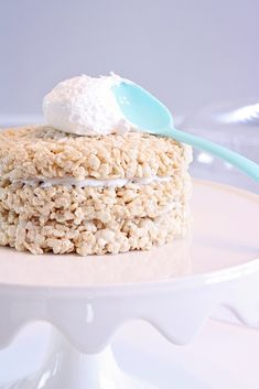 A light and fluffy rice crispies marshmallow cake made easy with @pamcookingspray  #savetimetips #ad
