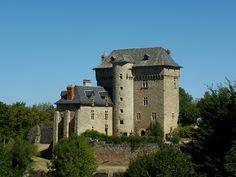 Château du Cayla ou caylaret à Cruejouls by wally52, via Flickr ~ Midi-Pyrénées, France