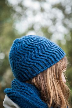 Squishy bulky yarn plus size 11 (8 mm) needles equals a lovely Winter set you can whip up in a single afternoon.