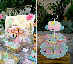 Ιδέες διακόσμησης για μια girly βάπτιση με θέμα το τροχόσπιτο - EverAfter Baptisms, Motorhome, Camper, Favors, Birthday Cake, Girly, Flowers, Ideas, Design