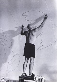 This is love of art in ones studio.  How I would have liked to be a fly on that wall to see the expression on Picasso's  face as he sketched this gargantuan broad design.