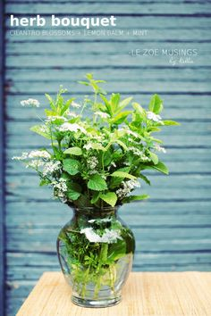 DIY Herb Bouquet ~ Beautiful bouquet w/ herbs straight from the garden. Refreshing aroma for your kitchen!