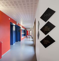 Signage and wayfinding, custom font for a new elementary schools in Saint-Denis, France.
