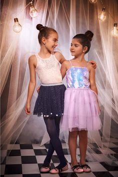 Sí existe el look 𝘮á𝘨𝘪𝘤𝘰🦄💜  perfecto para este Halloween🎃... y lo encuentras en STUDIO F. #FantasyWorld  #HalloweenSTUDIOF  #GirlBySTUDIOF  #FantasyWorldbySTUDIOF   Look izquierda: Vestido Ref. K140259 Calzado Ref. K370005  Look derecha: Blusa Ref. K170940 Falda Ref. K030154 Calzado Ref. K370005 Girls Dresses, Flower Girl Dresses, Fantasy World, Halloween, Wedding Dresses, Fashion, Vestidos, Dress Girl, Bridesmaids