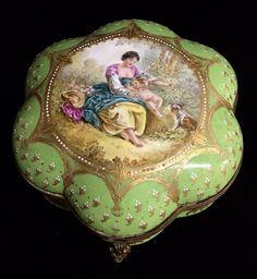 www.liveauctioneers.com item 52215324_19th-century-sevres-porcelain-box