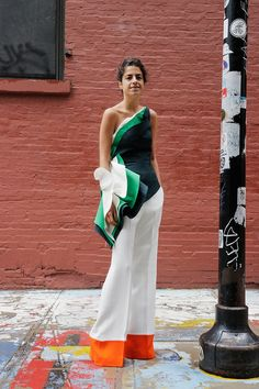 Rosie Assoulin top & Celine pants on Leandra Medine in NYC. Leandra Medine, Creative Black Tie, Looks Style, My Style, Mode Inspiration, Look Cool, Street Chic, Look Fashion, Celine
