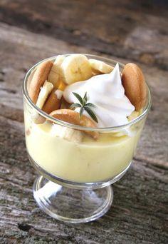 Mal was anderes: Tiramisù mit Banane - exotisch und cremig - das perfekte Dessert! Rezept auf www.gofeminin.de/kochen-backen/bananen-rezepte-d22363c287968.html