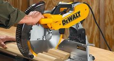 pro tools Woodworking Industry, Best Woodworking Tools, Woodworking Projects, Sliding Compound Miter Saw, Compound Mitre Saw, Used Power Tools, All Tools, Miter Saw Table, Dewalt Tools
