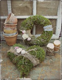 Love French Bulldogs - Home Page Christmas Diy, Christmas Decorations, Holiday Decor, Moss Decor, Ideas Hogar, Spring Projects, Xmas Wreaths, Funeral Flowers, Nature Decor