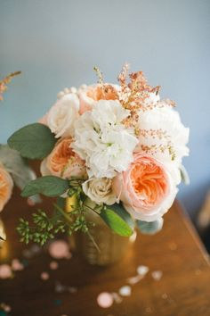 Year's Eve Wedding by Lovely Little Details Peach garden roses - if only I had seen this when planning my wedding four years ago.Peach garden roses - if only I had seen this when planning my wedding four years ago. Wedding Blog, Our Wedding, Dream Wedding, Wedding Story, Wedding Binder, Wedding Season, Wedding Photos, Peach Flowers, Beautiful Flowers