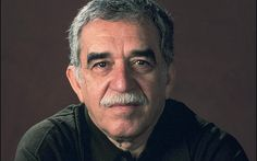 Gabriel García Márquez. Biografía (español): << http://es.wikipedia.org/wiki/Gabriel_Garc%C3%ADa_M%C3%A1rquez >>