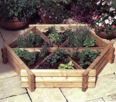 Norlog Small Herb Wheel, Wooden Planter | Internet Gardener