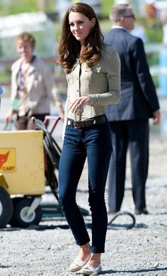 Mid-rise dark wash skinny jeans by J Brand as seen on Kate Middleton.
