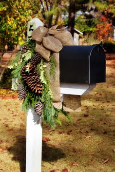 Christmas or winter mailbox decor with pine cones, pine boughs and burlap bow Noel Christmas, Country Christmas, Winter Christmas, All Things Christmas, Christmas Crafts, Natural Christmas, Christmas Wreaths, Burlap Christmas, Beautiful Christmas