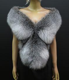 Kožešinové štoly a boa - exkluzivní a honosné Fur Coat, Lingerie, Jackets, Fashion, Down Jackets, Moda, Fashion Styles, Underwear, Fashion Illustrations