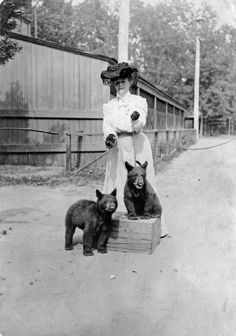 Mary Elitch Long with Jack and Jill in Denver, Colorado c. 1900-1910 - History Colorado Collection