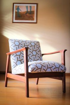 The Perfect Mid-century Chair Art Deco Furniture, Retro Furniture, Mid Century Chair, Mid Century Furniture, Second Hand Furniture, Furniture Restoration, Accent Chairs, Armchair, Sidewalk