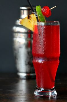 Singapore Sling, is one of the most famous #fruity #cocktail with the tangy lime taste. Tango with #tangy!!!