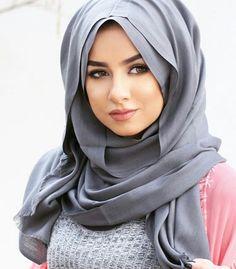 very beautiful grey hijab Beautiful Muslim Women, Beautiful Hijab, Hijab Dress, Hijab Outfit, Hijab Style Tutorial, Muslim Beauty, Muslim Hijab, Muslim Dress, Arab Girls