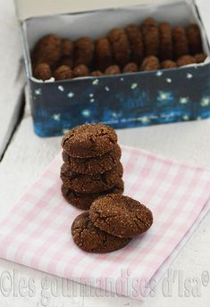 BISCUITS CHOCOLAT, MÉLASSE ET GINGEMBRE Scones, Brownies, Cereal, Cookies, Breakfast, Couture, Image, Food Recipes, Cooking Food