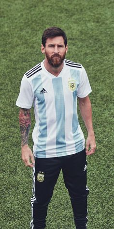 Lionel Messi in the adidas 2018 Argentina home jersey Messi News, Messi 10, Messi Argentina 2018, Old Boys, Fc Barcelona Wallpapers, Lionel Messi Wallpapers, Argentina National Team, Messi Photos, Leonel Messi