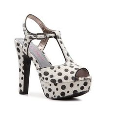 In love with all things polka dot!