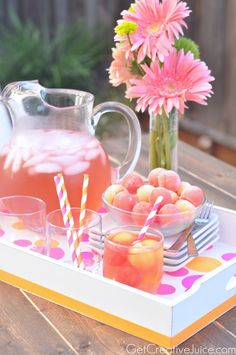 Melon Ice cubes for melon refreshers! and a DIY Modern Bright Polka Dot Serving Tray Tutorial Flavored Ice Cubes, Fresco, Snacks, C'est Bon, Serving Platters, Yummy Drinks, Summer Time, Summer Days, Party Planning
