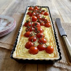 Pastel de queso feta y tomates cherry