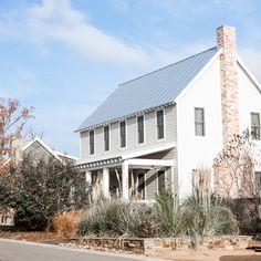 Modern American farmhouse in fall at Carlton Landing www.pencilshavingsstudio.com