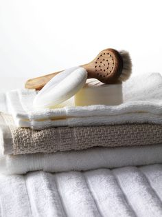 Beauty I Photography by Frank Brandwijk I 'Towels, soap and Scrub Brush' 'Photography Stilllife Beauty Product, Makeup & Cosmetics' Modern Bathroom Accessories, Chemical Free Cleaning, Pastel House, Clothing Photography, Product Photography, Soap Display, Relaxing Bath, Bathroom Styling, Still Life Photography