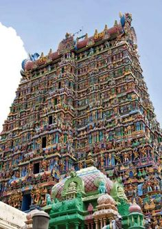 One of my favorites stops in South India: Meenakshi Temple
