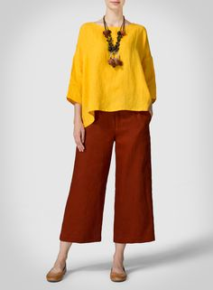 Yellow Daisy Linen Dropped Shoulder Long Top - This top is comfortable yet trendy with its loose fit details! Pair with wide leg pants for a fashionable day outfit and to dress up for a night look. Fashion Now, Plus Size Fashion, Womens Fashion, Chic Outfits, Fashion Outfits, Womens Linen Clothing, Natural Clothing, Clothing Patterns, Blouse