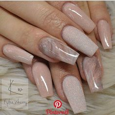 On average, the finger nails grow from 3 to millimeters per month. If it is difficult to change their growth rate, however, it is possible to cheat on their appearance and length through false nails. Marble Nail Designs, Acrylic Nail Designs, Nail Art Designs, Nails Design, Neutral Nail Designs, Neutral Nails, Nude Nails, Glitterarty Nails, Blush Nails