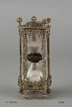 """treasures-and-beauty: """" Century South German silver filigree hourglass in the Green Room, Dresden """" Silver Filigree, Antique Silver, Hourglass Sand Timer, Sand Timers, Sistema Solar, Instruments, Antique Clocks, Objet D'art, Ancient Art"""