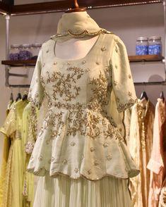 Red Lehenga, Lehenga Choli, Anarkali, Cape Lehenga, Saree Gown, Lehenga Blouse, Designer Bridal Lehenga, Indian Bridal Lehenga, Gown Designer
