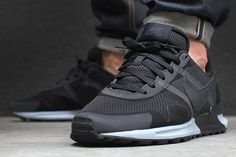 NIKE AIR PEGASUS 83/30 – BLACK/WOLF GREY