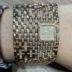 b3baf86059a We love this new  panthèredecartier like a jewel on your wrist in gold pink  gold