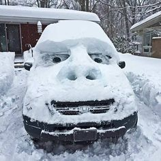 A photo gallery containing pictures of the funniest snow sculptures ever created. Brace yourselves, more funny snow sculptures are coming. Stupid Funny, Funny Jokes, Hilarious Quotes, Snow Sculptures, Snow Art, Winter Fun, Winter Snow, Funny Photos, Laugh Out Loud