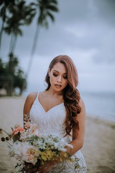 Look how stunning this Hawaii boho bride was at her beach elopement in Oahu, Hawaii. I loved her lace wedding dress, long natural bridal hair, beach bridal makeup, and romantic wedding florals | photography by Anela Benavides Photography Beach Wedding Hair, Beach Wedding Photos, Beach Wedding Photography, Wedding Poses, Wedding Bride, Wedding Dresses, Lace Wedding, Wedding Ideas, Bridal Session