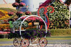 Organic Gardening The Natural No Dig Way Code: 2050015224 Dubai Garden, Dubai Miracle Garden, Wheelbarrow, Urban Landscape, Topiary, Vegetable Garden, Organic Gardening, Garden Art, Flower Designs