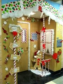 christmas door decoration you could use diffe colored plates - Candyland Christmas Door Decorations
