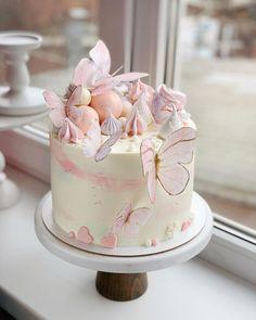 Butterfly Birthday Cakes, 25th Birthday Cakes, Butterfly Cakes, Birthday Cake Girls, Baby Shower Drip Cake, Gateau Baby Shower, Shower Cakes, Cute Cakes, Pretty Cakes