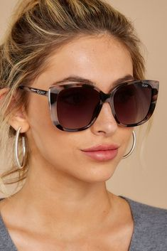quay sunglasses Quay Australia Grey Sunnies - Ever - sunglasses Types Of Sunglasses, Quay Sunglasses, Trending Sunglasses, Oversized Sunglasses, Sunnies, Latest Sunglasses, Summer Sunglasses, Quay Australia Sunglasses, Sunglasses Women Designer