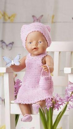 """: Passer til dukker på cm.Materialer: """"Mandarin Petit bomuld, 50 g = 180 m): 100 g rosa nr. 1 knap til kjole, 2 små knapper til Knitting Dolls Clothes, Crochet Doll Clothes, Knitted Dolls, Crochet Dolls, Knitting For Kids, Baby Knitting Patterns, Baby Born Kleidung, Preemie Crochet, Baby Born Clothes"""