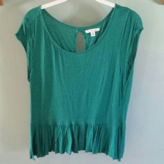 ***Green peplum top Pretty green peplum top with key hole in the back American Eagle Outfitters Tops