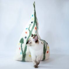 Cat Cave Co - Luxury Felted Wool Hand Made Cat Beds