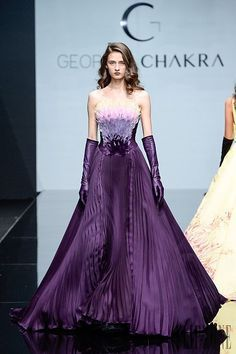 Photo galleries fashion week : Georges Chakra Fall-Winter Haute Couture ( - The World's Fashion Business News Georges Chakra, Shades Of Purple, Deep Purple, Purple Bird, Beautiful Gowns, Beautiful Outfits, Couture Fashion, Runway Fashion, Glamour