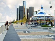 Rivard Plaza | Riverwalk Detroit