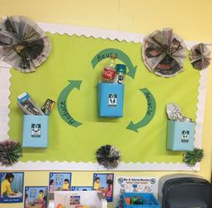 Reduce, Reuse, and Recycle ♻️ Bulletin Board! - Harezmi - Reduce, Reuse, and Recycle ♻️ Bulletin Board! Everything used is of recycled materials! Classroom Board, Classroom Themes, Classroom Activities, Bulletin Boards, Creative Curriculum Preschool, Preschool Crafts, Crafts For Kids, Preschool Bulletin, Quick Crafts